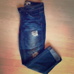Roll up skinny distressed capris